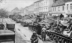 Medium tanks T-34-85. Germany 1945 / czołgi średnie T-34-85 na terenie Niemiec. Rok 1945.