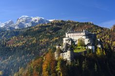 Explore one of the oldest fortresses in Europe: Hohenwerfen. © Österreich Werbung/ Volker Preusser #austria #salzburg #fortresshohenwerfen #overview #medievaltime #fortress #visitaustria