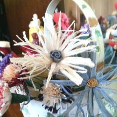 Handcrafted Corn Shuck Flowers: Daisy: medium $2.00 each ( minimum order of 1 dozen) Can be made in your choice of colors Contact me at (606) 310-0054 or reddendebra@yahoo.com for ordering