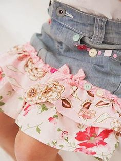 Turn old jeans into cute skirts for girls. She keep growing out of her old jeans so fast and she has a love of skirts. Diy Clothing, Sewing Clothes, Modest Clothing, Modest Outfits, Sewing Tutorials, Sewing Patterns, Sewing Ideas, Refashioning, Creation Couture