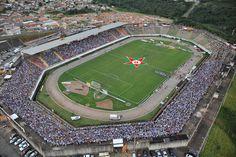 Estádio Prefeito Dilzon Luiz de Melo (Melão) - Varginha (MG) - Capacidade: 15,5 mil - Clube: Boa Esporte