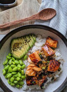 healthy dinner recipes for family eating clean Teriyaki Salmon Sushi Bowl - Gesunde Rezepte - Healthy Food Recipes, Healthy Meal Prep, Fish Recipes, Seafood Recipes, Healthy Snacks, Dinner Healthy, Recipes Dinner, Recipies, Healthy Fruits