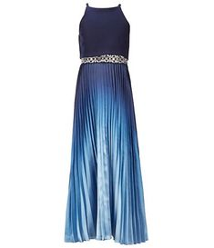 Cheap Long Dresses, Girls Formal Dresses, Old Dresses, Tight Dresses, Dance Dresses, Party Dresses, Navy Lace Midi Dress, Girl Outfits, Cute Outfits