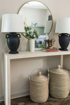 DIY Faux Concrete Console Matte Black Spray Paint, Wood Pedestal, Lamp Makeover, Old Lamps, Easy Diy Projects, Furniture Projects, Home Lighting, Home Decor Items, My Room