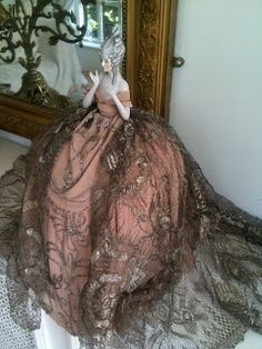 Rosemary Cathcart Antique Lace and Vintage Fashion: Glorious Gold Antique Lace, Antique Dolls, Vintage Dolls, Victorian Home Decor, Decor Crafts, Craft Decorations, Half Dolls, Powder Puff, Doll Crafts