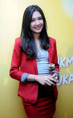 mikha tambayong bugil at DuckDuckGo Beautiful People, Beautiful Women, Indonesian Girls, Asian Beauty, Actresses, Blazer, Celebrities, Womens Fashion, Artist
