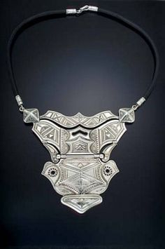 Silver breastplate pendant from Tuareg Jewelry. Photo: Courtesy Ann Elston / SF