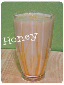 Herbalife Honey Shake The bee's knees smoothie  Recipe: http://slinkyshakes.wordpress.com/2013/07/03/the-bees-knees-shake/