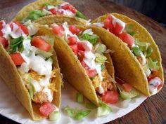 Aprenda a preparar tacos mexicanos original com esta excelente e fácil receita. Os tacos são uma das iguarias mais típicas do México, preparados com tortilha de... by allyson