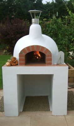 Would love this in my backyard! outdoor oven More Pins Like This At FOSTERGINGER @ Pinterest #outdoorkitchen