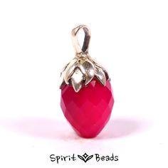 Spiritbeads Fuchsia Chalcedon Anhänger #pendant #spiritbeads #necklace #fuchsia #pink #gemstone #jewelery #silver #silber #anhänger
