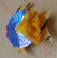 Poisson d'Avril Plus Cd Crafts, Fish Crafts, Arts And Crafts, Preschool Art, Craft Activities For Kids, Craft Ideas, Summer Crafts, Summer Art, Cd Fish
