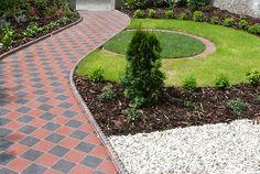 The Most Effective Rock Outdoor Patio Suggestions Front Garden Path, Front Path, Front Garden Landscape, Front Gardens, Garden Paths, Circular Lawn, House Front, Backyard Landscaping, Garden Design