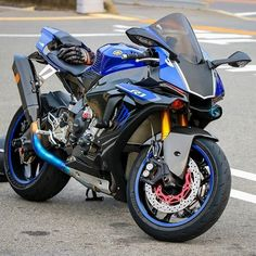 Yamaha Happy Friday everyone Yamaha Super Bikes, Yamaha Motorcycles, Yamaha Yzf R1, Gp Moto, Moto Bike, Yamaha Sport, Sport Bikes, Motorcycle Wheels, Motorcycle Design