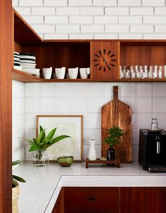 Life In One Of Melbourne's Best Mid-Century Homes! (The Design Files) Mid Century Decor, Mid Century House, Mid Century Style, Mid Century Design, Retro Home, Modern Retro, Midcentury Modern, The Design Files, Küchen Design
