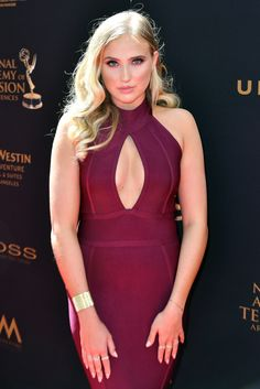 Veronica Dunne styled in a couple of EF Collection diamond rings at the 43rd Annual Daytime Emmy Awards.