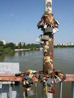 #Love locks in Tiraspol, Moldova http://www.bconlineshop.com.au/lovelocks,love,locks,love%20lock,padlock,lock%20ceremony,padlocks