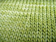 non-English language knitter? Here is a list of helpful knitting translation websites.