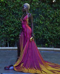 Meet The Stunning Model Who Shut Down The Emmy Red Carpet - - Nyakim Gatwech-emmys-queen-of-the-dark-skin-model Source by valizana - Beautiful Black Women, Beautiful Gowns, Gorgeous Dress, Stunning Dresses, Dark Skin Models, Mode Editorials, The Dress, Pink Dress, African Fashion