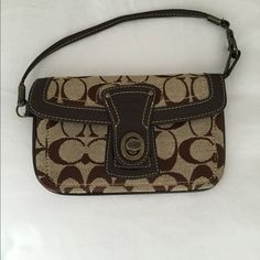 change purse w/handle  Great condition, no stains, scratches ect... Coach Bags Clutches & Wristlets
