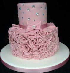 Rózsaszín masnis torta