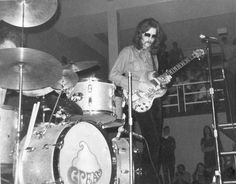 Music Icon, Pop Music, Cream Eric Clapton, Guitar Guy, Ginger Baker, Jack Bruce, Ludwig Drums, 60s Rock, Famous Guitars