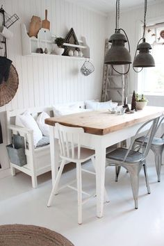 Love that metal holder hanging at the end of the bench!   Shabby and Charme: Nordic Style–una bellissima casa norvegese