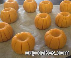 Halloween Pumpkin Cake pop Tutorial   The Cupcake Blog