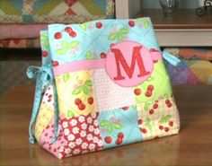 There are so many new companies out there selling bags now-a-days, but you learn how to make a tote bag using charm packs.