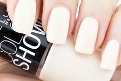 """Maybelline Color Show Nail Polish in """"Canary Cool"""""""