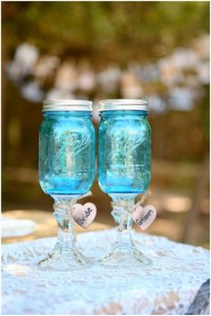 I know we have tons of readers who are planning rustic weddings so I wanted to share some cute rustic wedding details for inspiration purposes. Rustic Country Wedding Decorations, Rustic Wedding Details, Country Wedding Dresses, Woodsy Wedding, Rustic Weddings, Vintage Weddings, Beach Weddings, Wedding Renewal Vows, Beach Wedding Reception