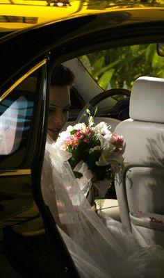 Bride by Andreza Menezes, via Flickr
