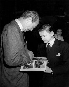 Roddy McDowall getting Gary Cooper's autograph
