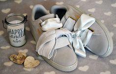 Les nouvelles Puma Suede Heart sont arrivées ! Dispo en gris pour le moment ! Viiite ! ♥ #puma #pumaheart #heart #suede #shoes #chaussures #chaussuresonline #sneakers #baskets #style #fashion #look #ootd #pumashoes Puma Heart, Puma Basket Heart, Puma Running, Puma Suede Classic, Baskets, Pumas Shoes, Dress Codes, Beautiful Shoes, Sneakers