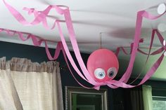 de fiesta con tema marino Octopus decoration for under the sea birthday theme. Or use black to look like spiders for Halloween!Octopus decoration for under the sea birthday theme. Or use black to look like spiders for Halloween! Little Mermaid Birthday, Little Mermaid Parties, Under The Sea Theme, Under The Sea Party, Underwater Party, Underwater Birthday, Octopus Decor, Octonauts Party, Pirate Birthday