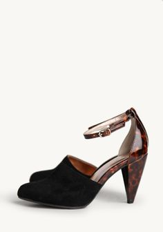 Music To My Ears In Black By Seychelles at #Ruche @Ruche very cute vintage style