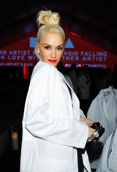 When she wore this white coat and her eyes did something to your soul and you were forever changed. | 27 Times You Desperately Wanted To Be Gwen Stefani