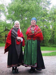 traditional norwegian dress