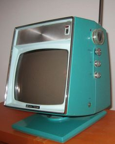 Picking the Right Stand for a Big Screen TV Radios, Vintage Television, Television Set, Tvs, Portable Tv Stand, Hifi Video, Retro Tv Stand, Swivel Tv Stand, Big Screen Tv