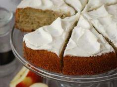 Gâteau au matcha et aux pommes, glaçage crème fouettée • Hellocoton.fr