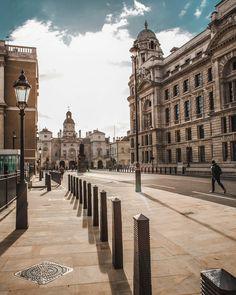 London Wanders @antondee_ #dvsn