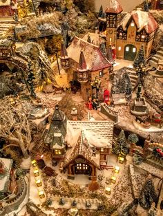stunning christmas village scene - Miniature Christmas Town Decorations