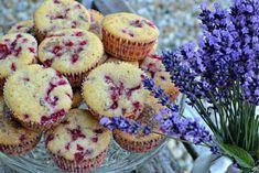 Jogurtové mufiny s rybízem Cupcakes, Baking, Breakfast, Sweet, Recipes, Food, Morning Coffee, Candy, Cupcake Cakes