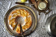 Raw Honey & Thyme: Un dolce lunedì: torta di mele semplice