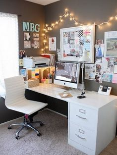 Home Office Decor, Home Office Inspiration, Decor Ideas, Decor Inspiration, Home Office Ideas Workspace Inspiration, Decoration Inspiration, Room Inspiration, Decor Ideas, Desk Inspo, Decorating Ideas, Desk Inspiration Student, Inspiration Boards, Christmas Inspiration