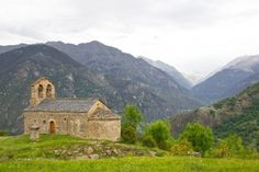 Romanesque Church Of Sant Quirc De Durro In Vall De Boi Catholic Churches, Church Architecture, Romanesque, Cathedrals, Plane, Monument Valley, World, House Styles, Building