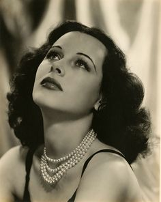 Hedy Lamarr - Pearl collars are usually made up of three or more strands and lie snugly on the middle of the neck.  Very Victorian and luxurious, pearl collars go best with elegant V-neck or of the shoulder fashions.  Multi-Strands Collar Akoya Pearls necklace.