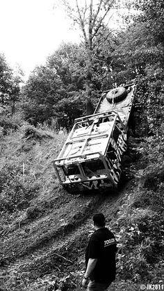 Tatra 813 8x8 kolos Huge Truck, Funny Cars, Advertising Poster, Car Humor, Road Racing, Cool Trucks, Buses, Motorhome, Rigs