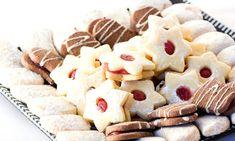 Recept na zdravé rozinkové hrudky s čokoládou. Podívejte se na recepty na cukroví, které jsou ve zdravější variantě. Celozrnná mouka a třtinový cukr cukroví krásně ochutí. Christmas 2017, Christmas Cookies, Desserts, Xmas Cookies, Tailgate Desserts, Deserts, Postres, Christmas Desserts, Dessert