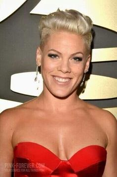 P!nk - Grammys 2014 she is just an awsome singer and what inhave seen a great singer!
